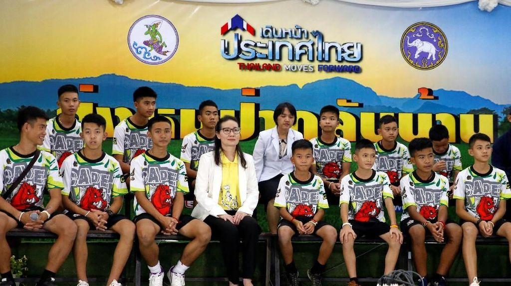 Temui Publik, Remaja yang Selamat dari Gua Thailand: Ini Keajaiban