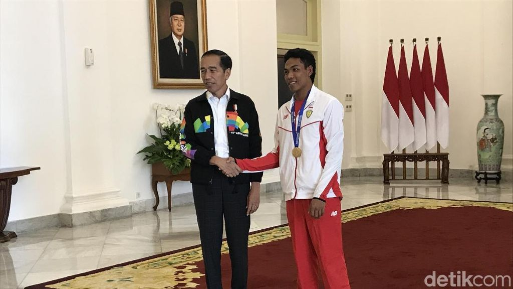 Di Istana, Jokowi Puji Balik Lalu M Zohri