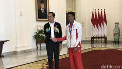 Jokowi: Orang Besarnya Bukan di Istana, Tapi Zohri