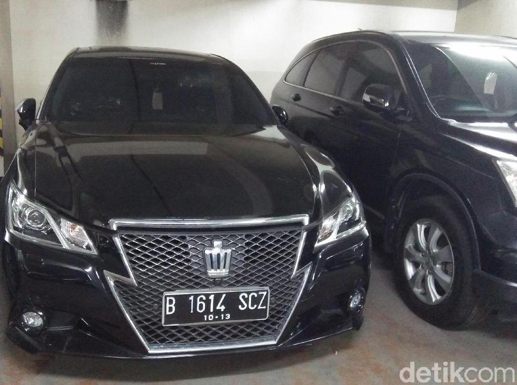 Ini 2 Mobil Akil Mochtar yang Dilelang KPK, Berminat?