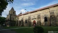 Namanya Gereja Miagao dan dikenal juga dengan nama The Church of Saint Thomas of Villanova. Ini adalah bagian samping dari Gereja Miagao (Syanti/detikTravel)