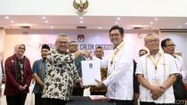 PKS Serahkan Daftar Bacaleg ke KPU