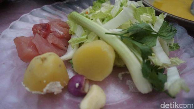 Menu makanan di Pos Gizi desa Haya-Haya