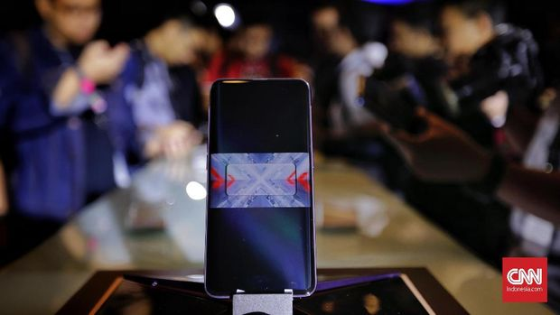 Menjajal Kamera Tersembunyi Oppo Find X