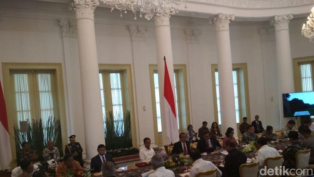 Bahas RAPBN 2019, Jokowi Kumpulkan Menteri di Istana Bogor