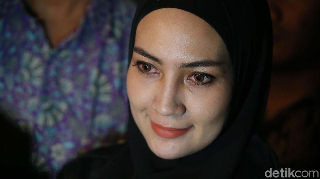 Gubernur Aceh Nonaktif: Steffy Burase Sebatas Teman