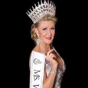 Ratu Kecantikan Tertua di Australia Kini Jadi Model di New York Fashion Week