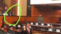 Viral Foto Sosok Diduga Hantu di Parlemen Malaysia, Ternyata...