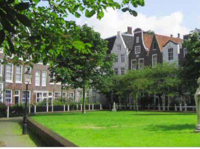 Kapel di Amsterdam dan Kisah Kesembuhan Ajaib