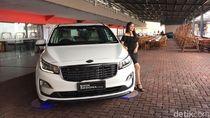 Kia Rilis Mobil Diesel Penantang Innova, Bisa Tampung 11 Orang!