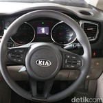 Kenapa Sih Kia Ogah Bikin Mobil MPV Murah Seperti Avanza cs?