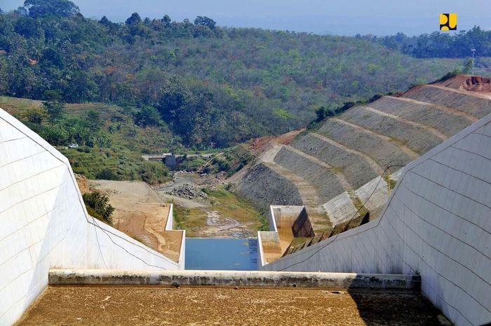 Bendungan Gondang yang dibangun oleh Balai Besar Wilayah Sungai Bengawan Solo, Ditjen Sumber Daya Air Kementerian PUPR, memiliki kapasitas tampung 9,15 juta meter kubik. Pool/Kementerian PUPR.