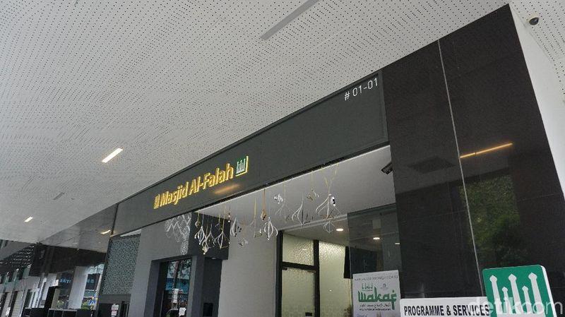 Foto: Inilah Masjid Al Falaah, masjid modern di jantung kota Singapura, Orchard Road (Shinta/detikTravel)