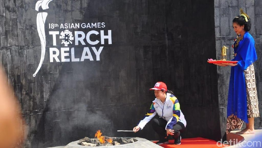 Video: Dari Api Abadi Mrapen, Obor Asian Games Mulai Diarak