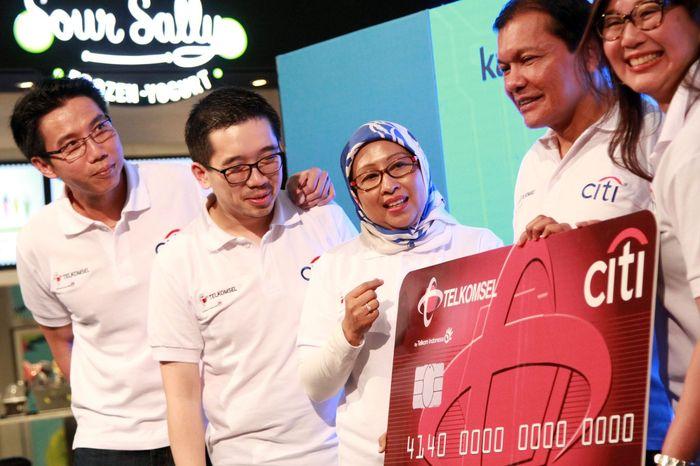 Bersama Telkomsel, Citi meluncurkan kampanye Live large khusus bagi pengguna Citi Telkomsel Credit Card. Foto: dok. Telkomsel