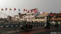Bendera Peserta Asian Games Bertiang Bambu Juga Ada di Kota Tua