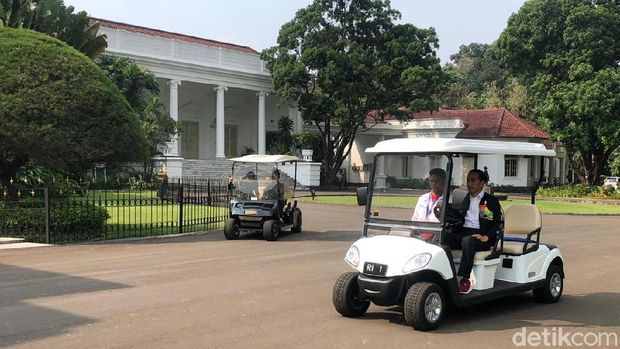 Jokowi ajak Lalu Muhammad Zohri keliling Istana Bogor /
