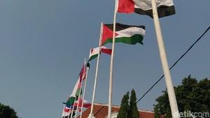 NasDem DKI soal Bendera Pakai Bambu: Jangan Cari Pembenaran