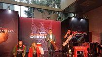 Mainkan Alat Musik Bareng Anak, Ketua MPR Dukung Milenial Berkreasi