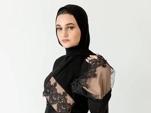 Umma Mode Jadi Agensi Model Pertama di Inggris untuk Para Hijabers