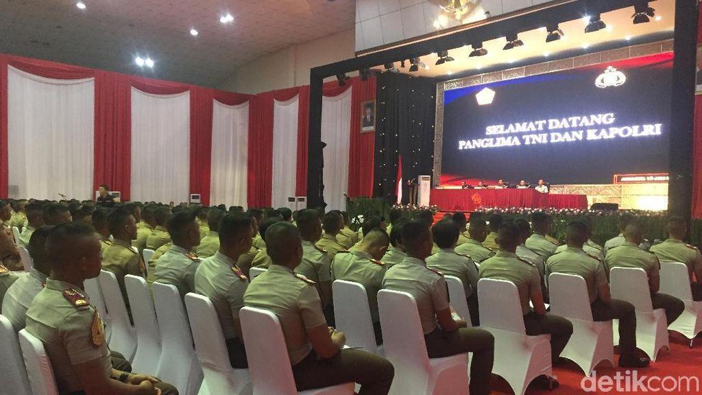 Panglima TNI dan Kapolri Beri Pembekalan ke 724 Capaja di Cilangkap