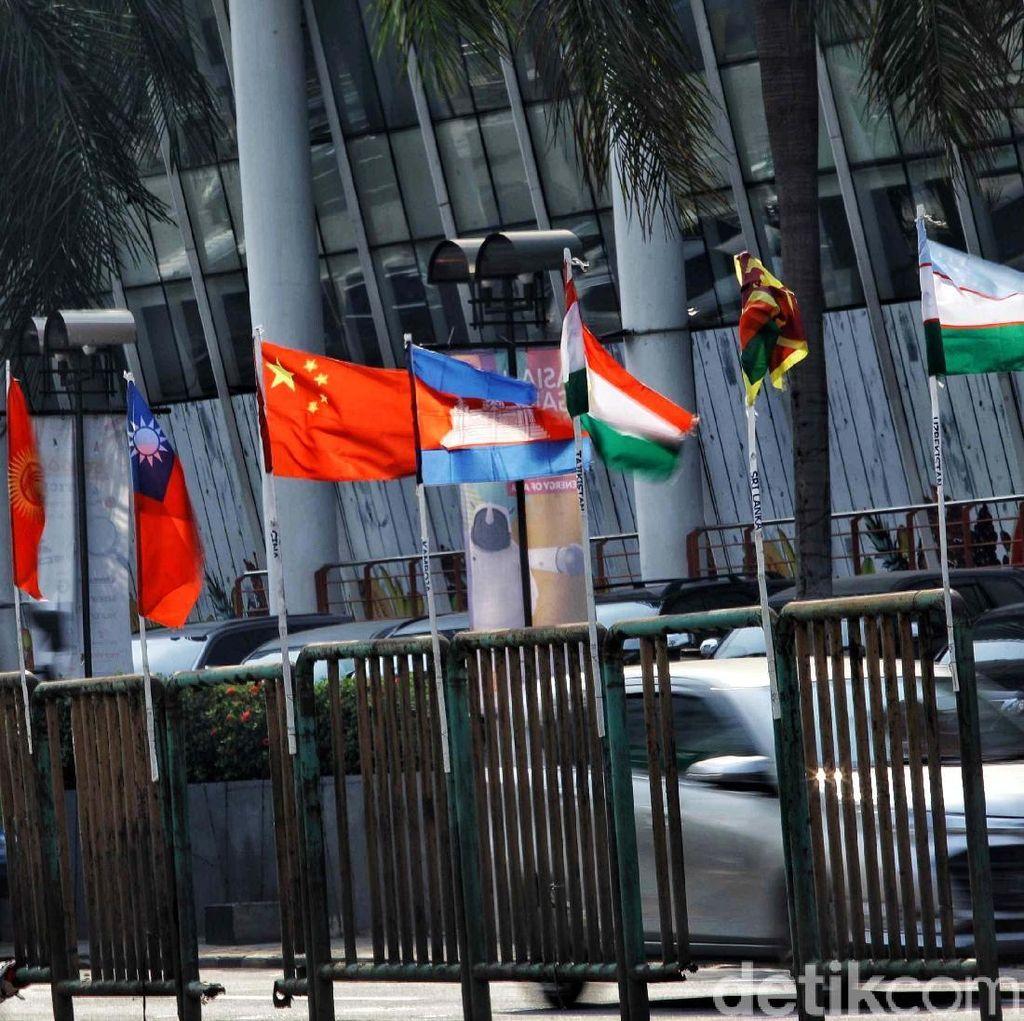 Persiapan DKI Sambut Asian Games: Tiang Bambu Hingga Waring