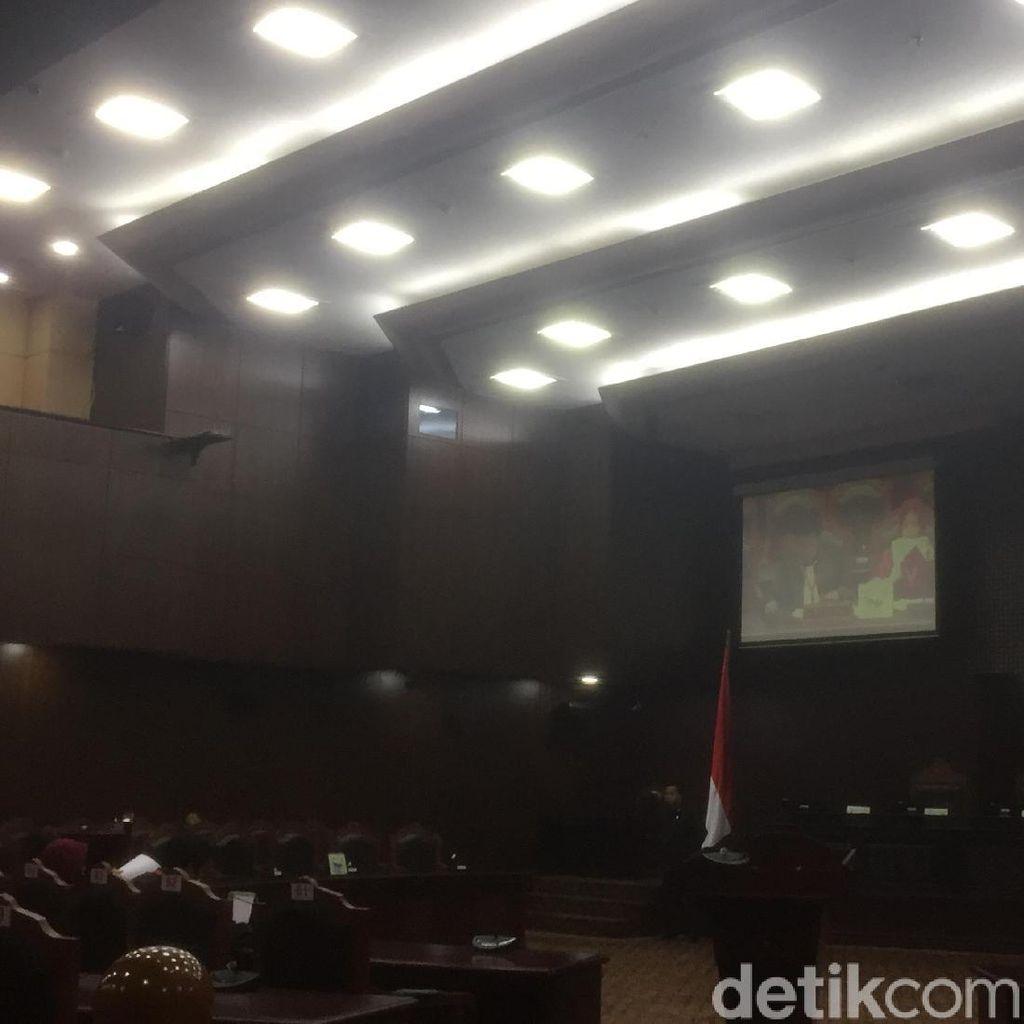 Majelis Pleno akan Bawa Isu Ambang Batas Capres ke Rapat Hakim MK