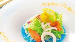 Setelah Teh Biru, Kini Populer Saus Salad Biru Cantik