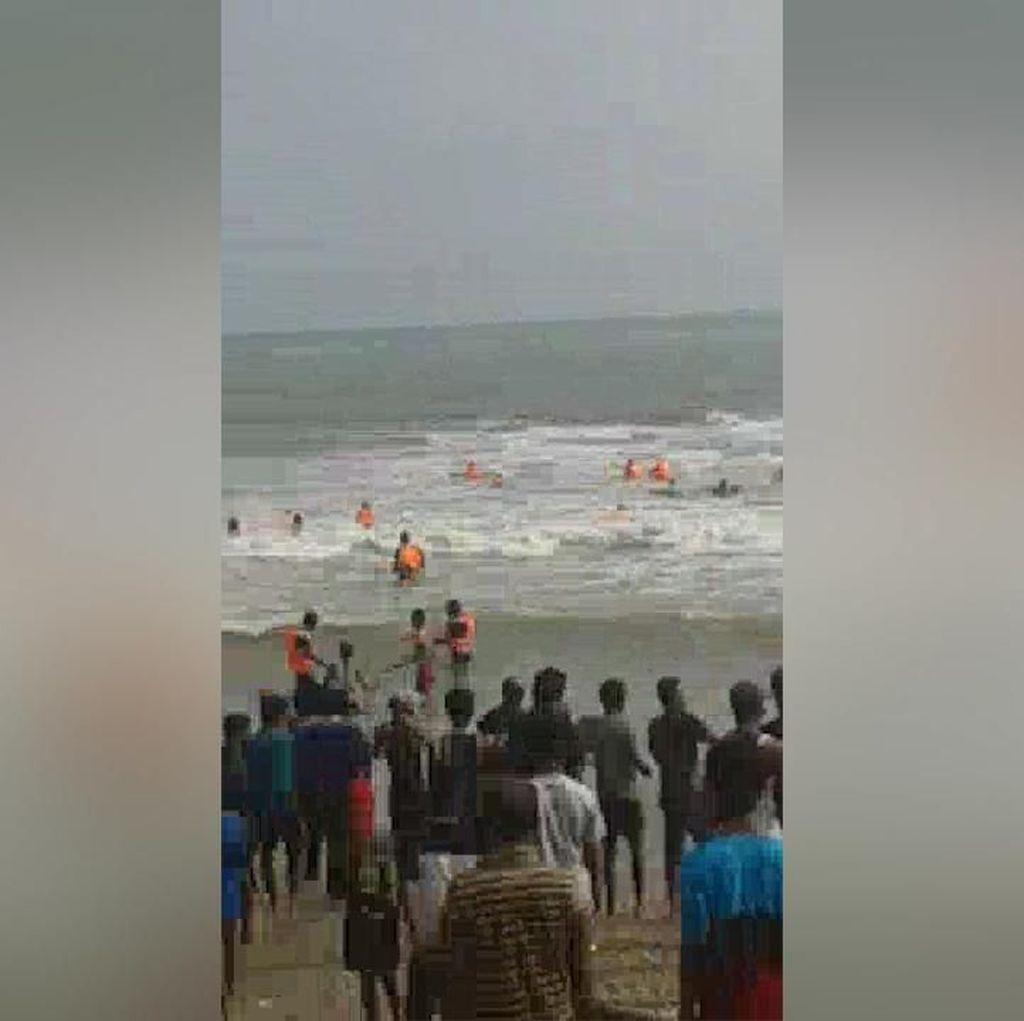 Video: Kapal Rombongan IPB Tenggelam di Lebak, 2 Nyawa Melayang