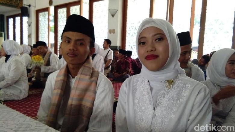 Siri Sejak Lulus SMA, Sari Deg-degan Nikah Massal di Kejagung