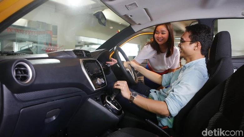 Test drive sebelum membeli mobil (Foto: Nissan)