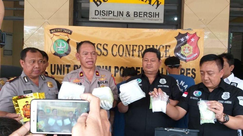 Kompak Jadi Pengedar Nakoba, Bapak dan Anak Ditangkap Polisi