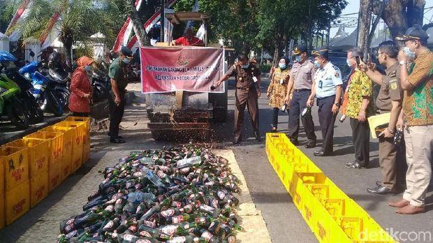4,8 Kg Sabu dan Ribuan Pil Koplo Dimusnahkan oleh Kejari Grobogan