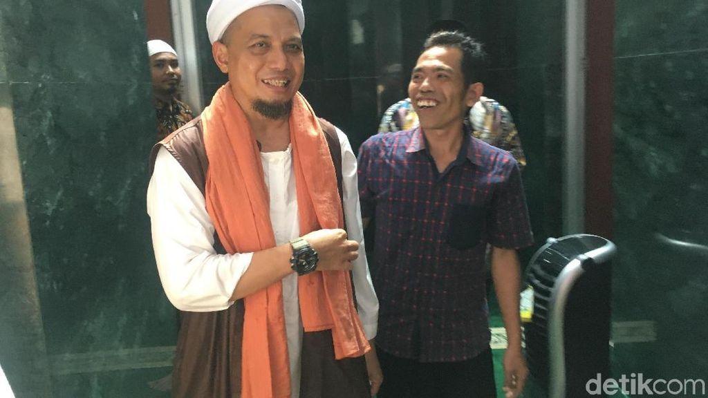 Ceramah di Masjid Balkot, Arifin Ilham Bersyukur Gubernur DKI Muslim