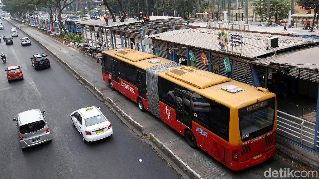 Naik Angkutan Umum, Warga Jakarta Bisa Tekan Polusi Sampai 90%