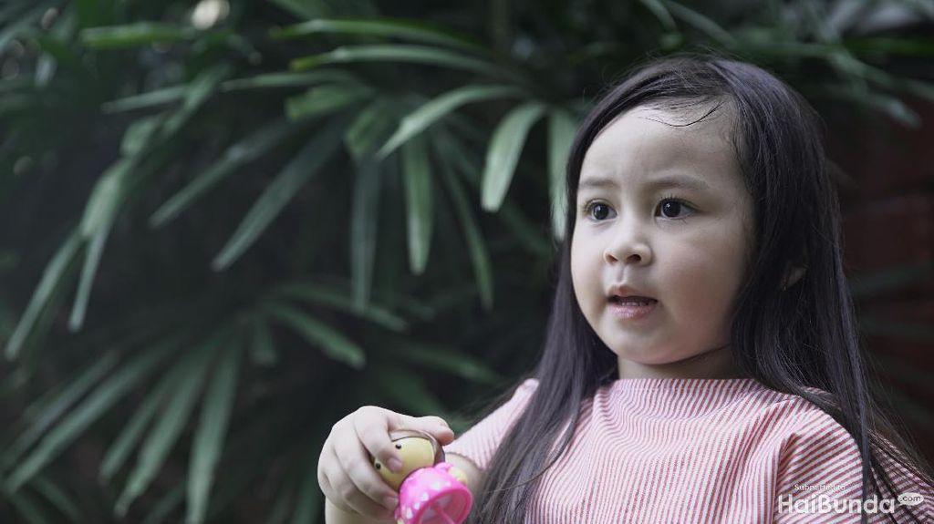 Ekspresi Anak Datar Saat Lakukan Sesuatu Tanda Dia Tak Happy?