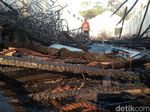 Gudang Rotan di Plered Cirebon Ludes Terbakar