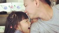 Denada dan Jerry pun kini tengah menjaga putrinya yang berusia lima tahun itu. Dok. Instagram/jerryaurum