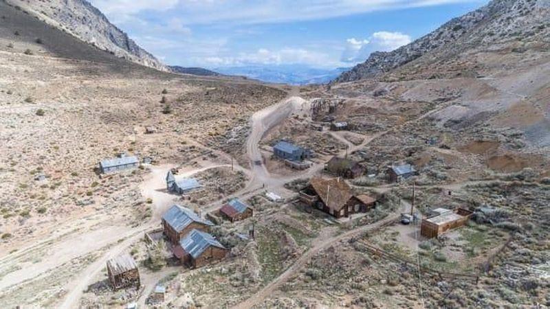 Sudah sebulan kota hantu ini dibeli. Namanya Cerro Gordo, sebuah kota abad ke-19 yang terletak di California, Amerika Serikat (Nolan Nitschke/CNN Travel)