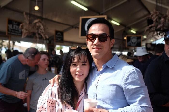 Ini dia sosok istri yang mampu menaklukkan hati Joe Taslim. (Foto: Instagram/julietaslim)