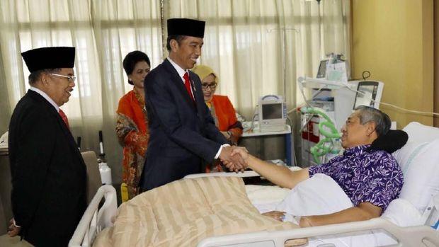 Jokowi jenguk SBY /