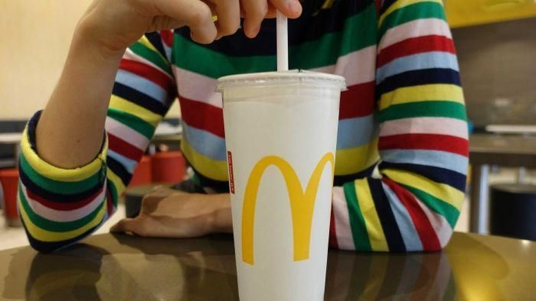 McDonalds Australia Mulai Gunakan Pipet Kertas Untuk Minuman