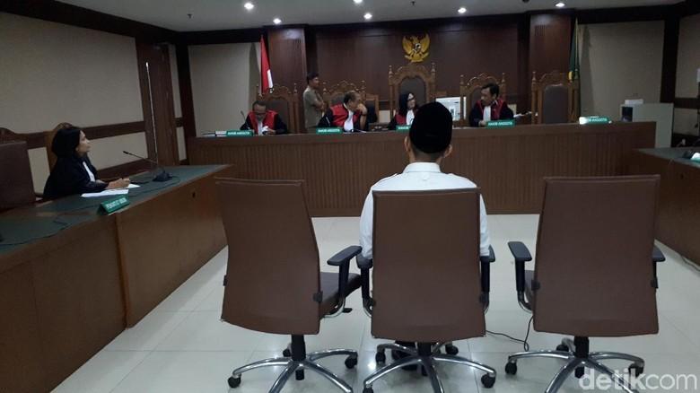 Sidang Vonis Bupati Lampung Tengah Nonaktif Ditunda
