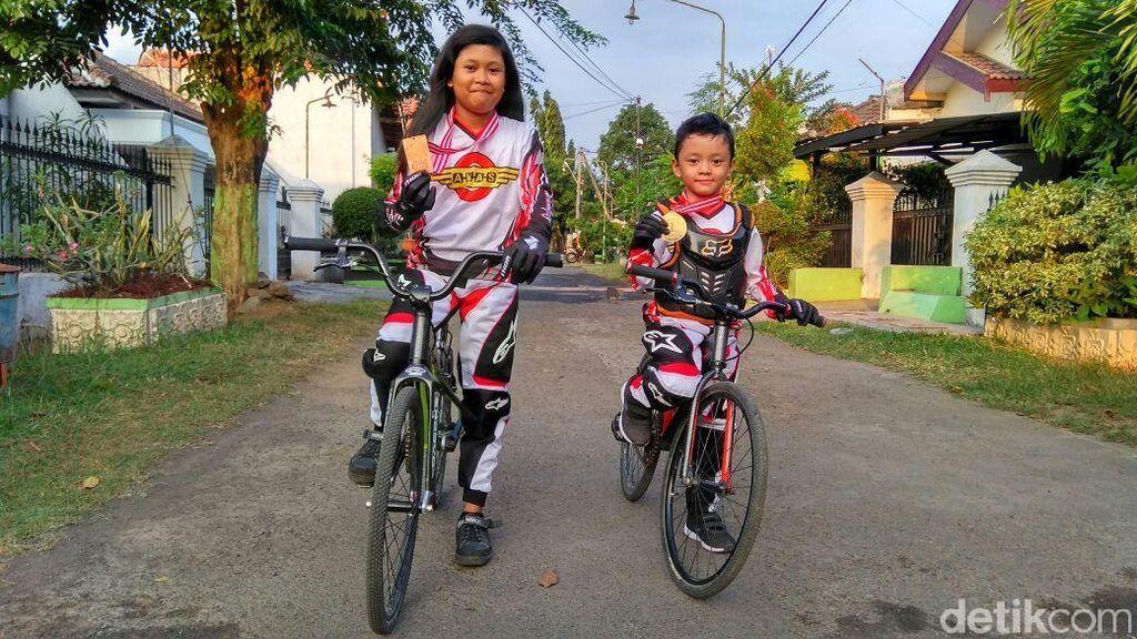 Bibit Unggul Kakak Beradik Muncul di Kejuaraan Internasional BMX