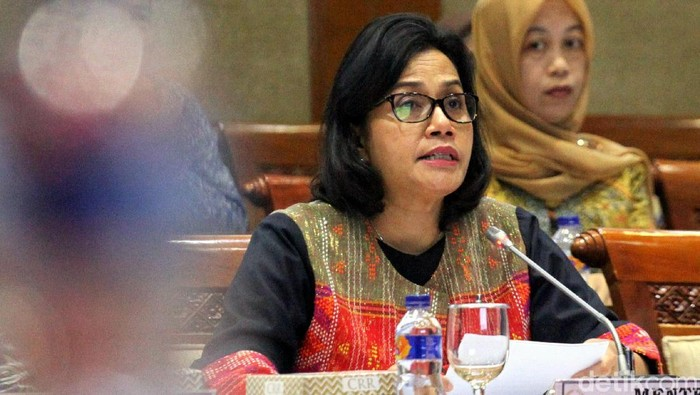 Komisi XI DPR bersama Menkeu Sri Mulyani dan Menteri PPN Bambang Brodjonegoro gelar rapat kerja bersama. Rapat itu bahas laporan keuangan pemerintah pusat 2017.
