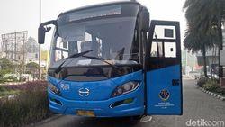 Ini Bedanya Bus Transjabodetabek Premium dengan Reguler