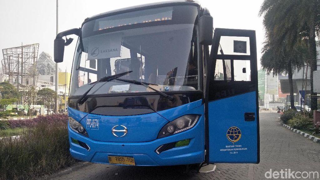 Bus Transjabodetabek Premium Tawarkan Kenyamanan Kelas Atas