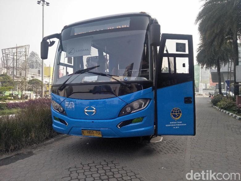 Bus Transjabodetabek Foto: Ruly Kurniawan