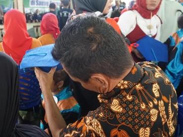 Kepala Dinas Kesehatan Kabupaten Gorontalo, Roni Sampir, berencana akan menggelar wisuda imunisasi baduta akbar untuk dijadikan rekor Muri. Rencana itu akan direalisasikan pada November tahun ini bertepatan dengan Hari Kesehatan Nasional di Gorontalo.