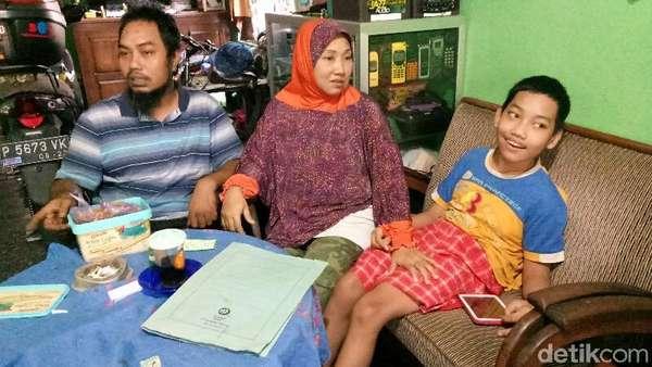 Meski Difabel, Ayah Cerita Saif Mahir Operasikan Komputer